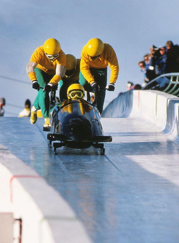 Calgaryn olympialaisissa Jamaikaa kelkkailussa edustivat Dudley Stokes, Devon Harris, Michael White ja Chris Stokes.