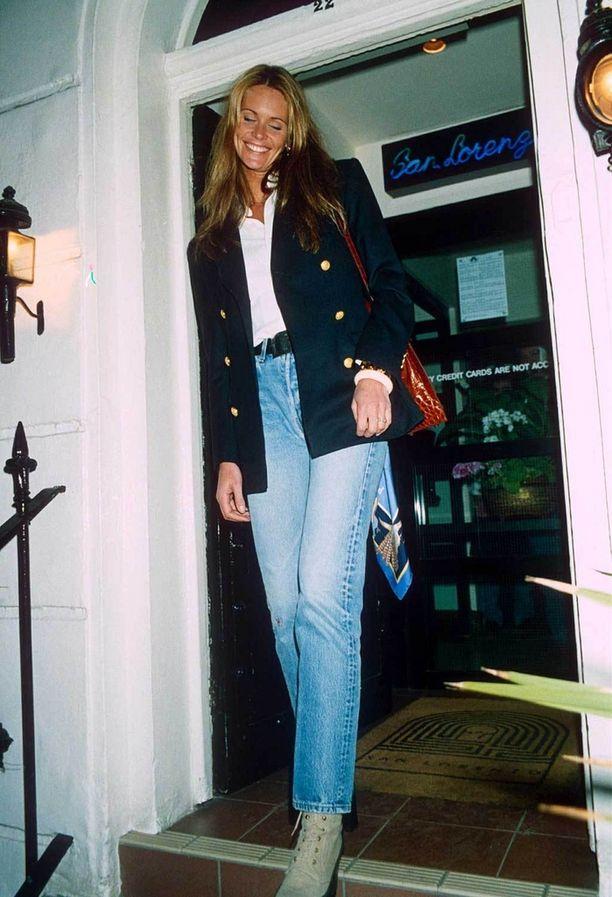 Elle McPherson, 1993