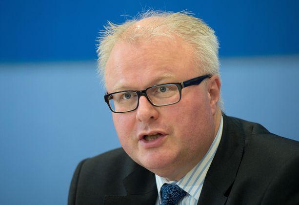 Hessen talousministeri Thomas Schäfer on kuollut. Kuva vuodelta 2015.