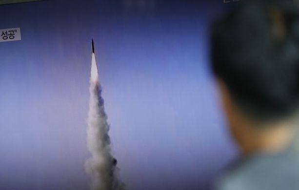 Pohjois-Korea testasi mannertenvälistä ballistista ohjusta myös heinäkuun lopussa. Kumpikin koe onnistui. Kuvituskuva.
