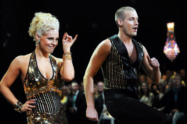 Vuonna 2009 Kim Herold otti osaa Tanssii tähtien kanssa -kisaan. Hänen opettajanaan oli  Sanni Siurua.