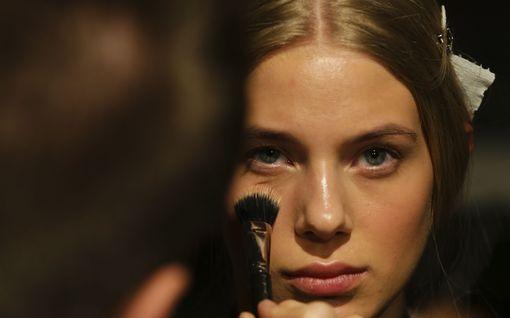 Täydellinen meikkipohja, joka oikeasti kestää - ammattilaisella yksi vinkki ylitse muiden