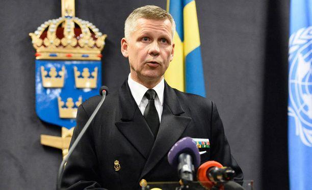 Keskitymme tiedon keräämiseen, käsittelemiseen ja analyysiin, operaatiota johtava kommodori Jonas Wikström on tyytynyt sanomaan.