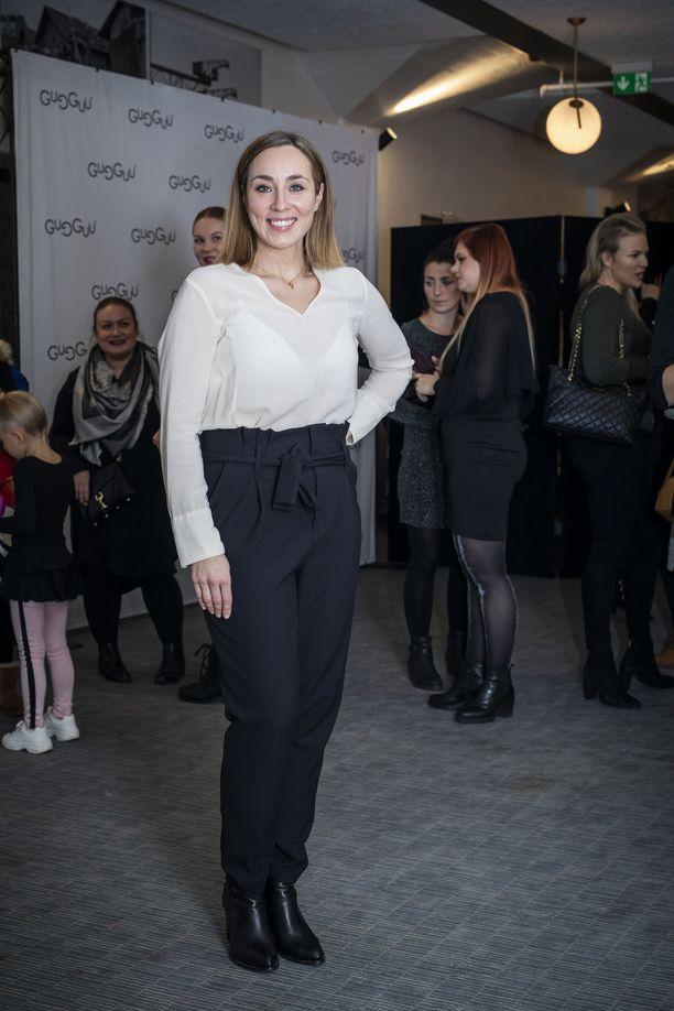 Idols-kuvaukset pitivät Anni Hautalan kiireisenä koko syksyn. Iltalehti tapasi Hautalan Gugguu x Minttu Räikkönen -malliston lanseeraustilaisuudessa.