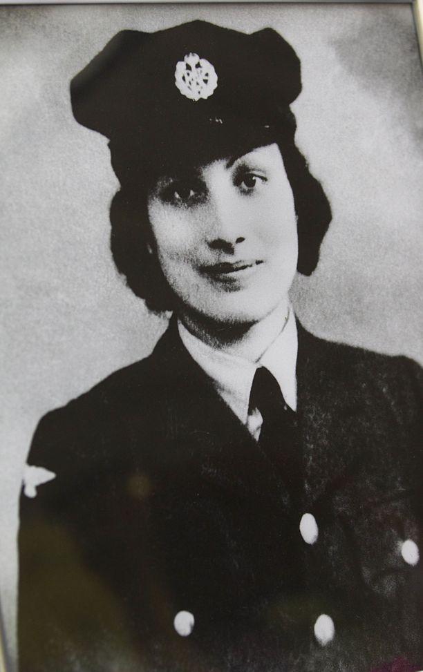 Noor Inayat Khanin isä oli intialainen uskonmies ja äiti amerikkalainen.