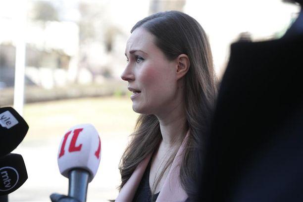 Pääministeri Sanna Marin kertoi tiistaina uusista lisärajoituksista.