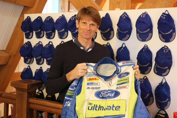 Marcus Grönholm ajoi 150 MM-rallissa yli 60 kertaa podiumille. Museon seinällä ovat kaikissa noissa palkintojenjaoissa Bossen päässä olleet lippikset.
