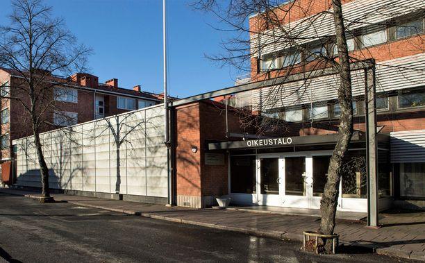 Oikeutta asiassa käytiin Salossa Varsinais-Suomen käräjäoikeudessa.