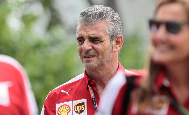 Maurizio Arrivabene varjelee tallin ilmapiiriä, eikä tee vertauksia kuskiensa välillä.