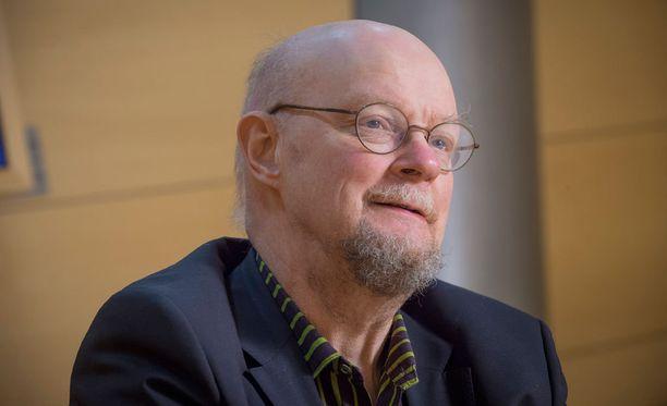 Osmo Soininvaara on ajamassa eutanasian laillistamista.