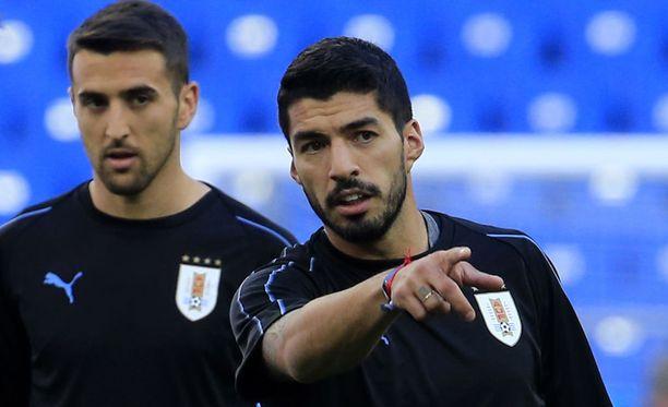Matias Vecino ja Luis Suarez voivat kääntää katseensa pudotuspeleihin.