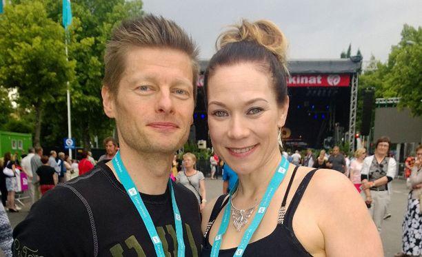 Tiina Hervanto on naimisissa vuoden 1999 tangokuninkaan Petri Hervannon kanssa.