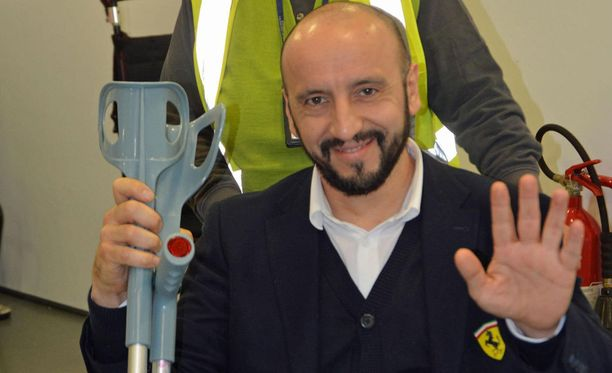 Francesco Cigarini palasi neljä päivää onnettomuuden jälkeen Italiaan hymy huulillaan.