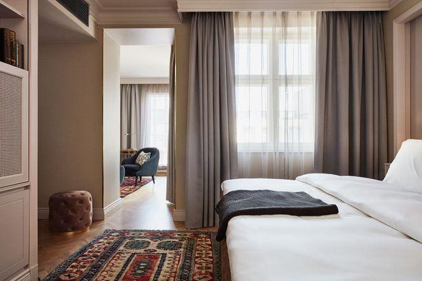 Luksushuoneisa on myös yllelliset sängyt.