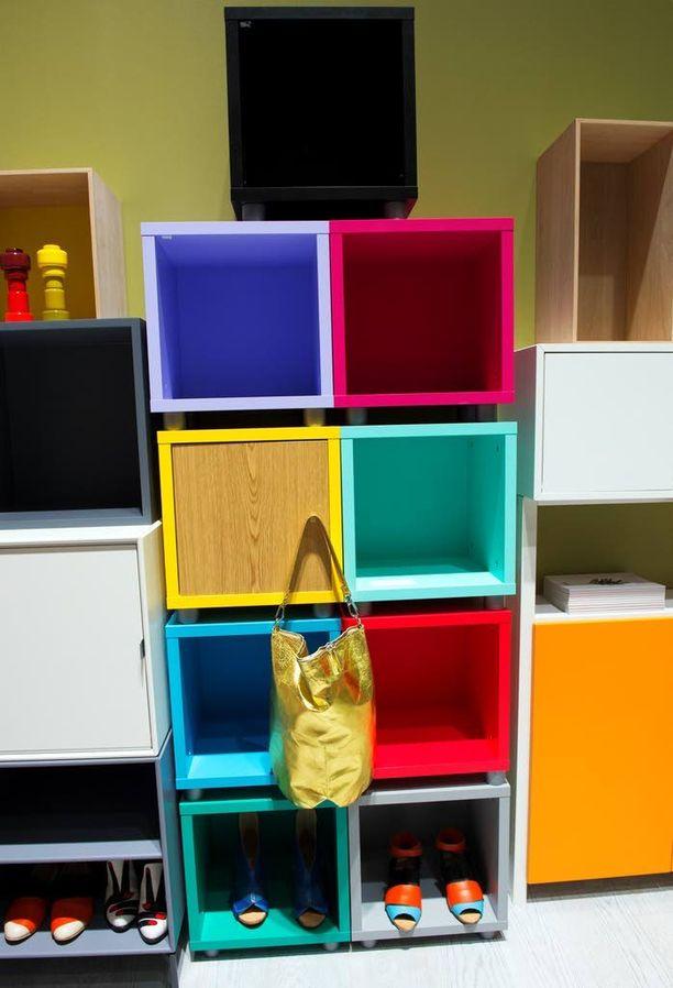 Hilpeitä värejä voi kylvää kotiin laatikoittain. Kodin 1.