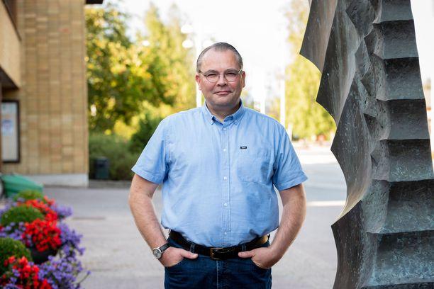 Jussi Niinistö on toiminut Kannuksen kaupunginjohtajana syksystä 2020.