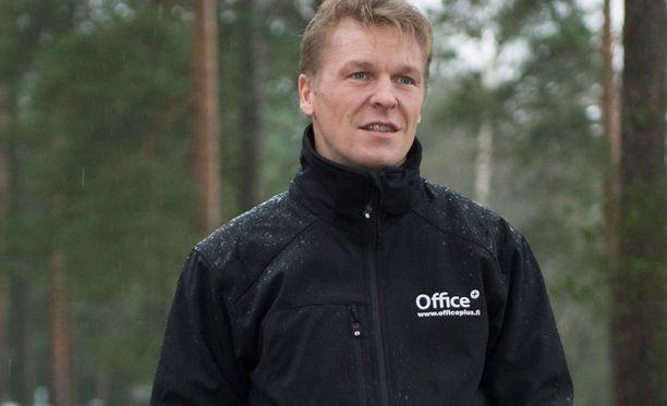 Toni Nieminen lopetti mäkiuransa vuonna 2004, mutta tekee nyt paluuta ainakin SM-tasolle.