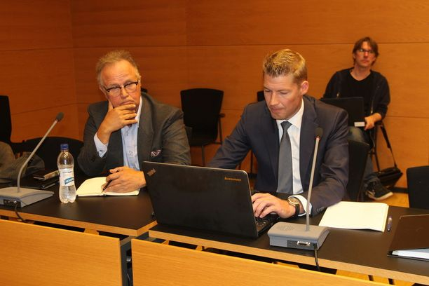 Timo Kojo saapui Helsingin käräjäoikeuteen vaisuna.