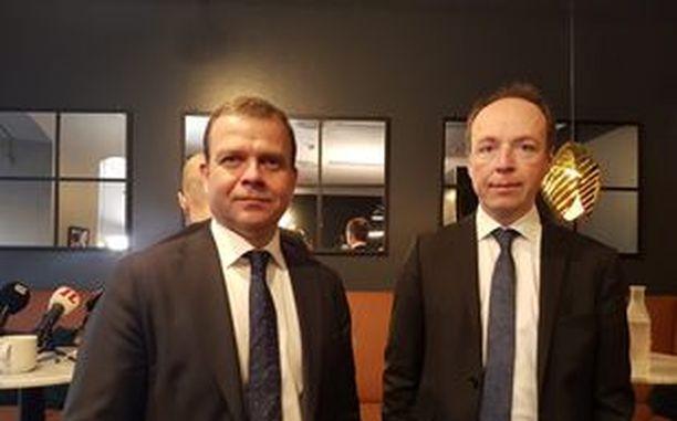PS:n puheenjohtaja Jussi Halla-aho ja kokoomuksen puheenjohtaja Petteri Orpo osallistuivat Politiikan toimittajat ry:n järjestämään väittelyyn Helsingissä keskiviikkona.