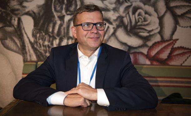 Petteri Orpo jatkaa kokoomuksen puheenjohtajana ainakin kaksi seuraavaa vuotta.