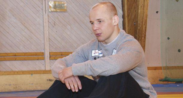 Matti Kettunen hankki Suomelle painin olympiapaikan 60 kilon sarjaan. Nyt Painiliitto pohtii, annetaanko paikka kuitenkin Jarkko Ala-Huikulle.