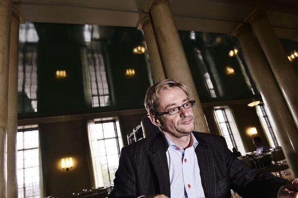 Ex-kansanedustaja Mikael Jungner uskoi pääsevänsä Helsingin valtuustoon, mutta joutui pettymään.