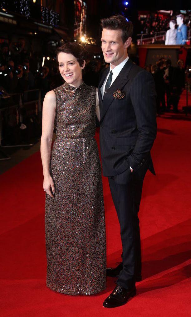 Claire Foy ja Matt Smith esittävät kuningatar Elisabetia ja prinssi Philipiä Golden Globe -ehdokkaana olevassa The Crown -sarjassa. Kuvassa näyttelijät marraskuussa 2017.