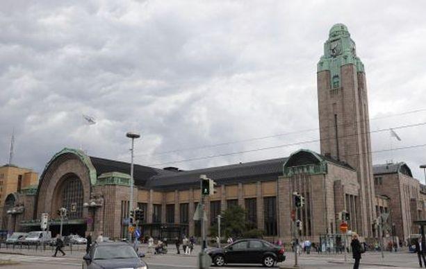 Helsingin Kluuvissa sattuu ja tapahtuu.