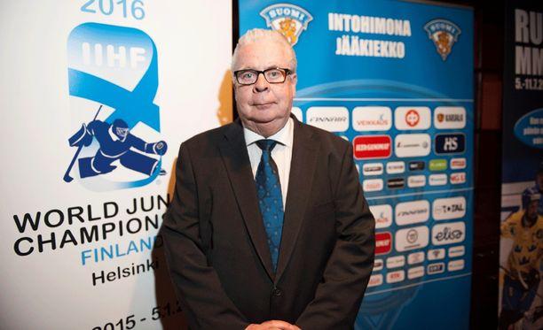 Kalervo Kummola on junailemassa jääkiekkoilun miesten MM-kisoja Tampereelle vuodeksi 2021.