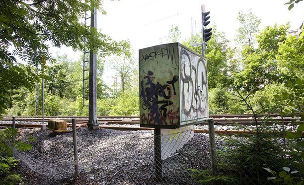 Poliisi epäilee, että isoisä vei lapsen tarkoituksella junan alle.