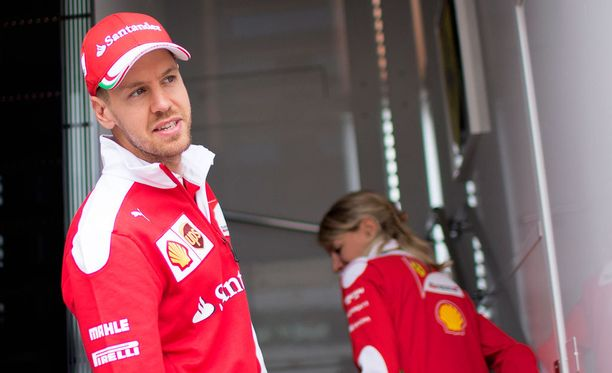 Sebastian Vettel ei näe Red Bullia kovinkaan suurena uhkaajana.