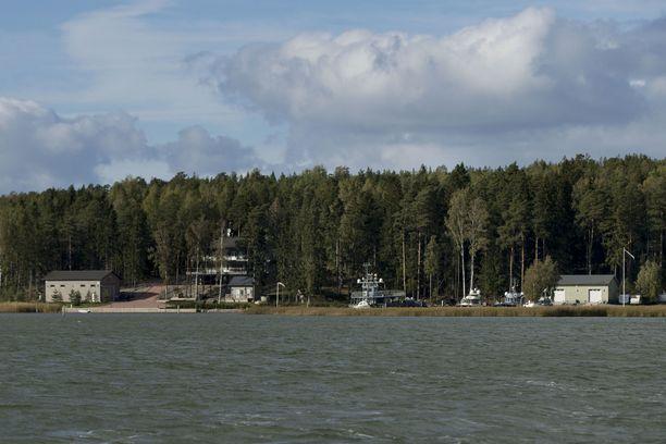 Airiston Helmen päärakennus sijaitsee Ybbernäsissä.
