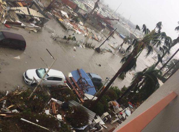 Hirmumyrsky Irma iski Saint-Martinin saarelle viitosluokan hurrikaanina.