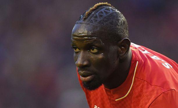 Liverpool hyllytti Mamadou Sakhon.