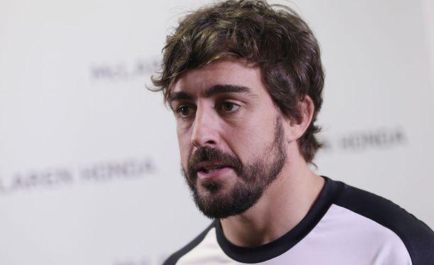 Fernando Alonso ajoi rajusti ulos Barcelonan F1-testeissä.