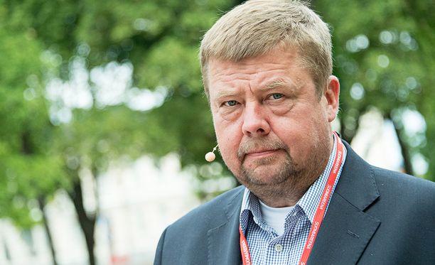 Pekka Perä on saanut syytteen sisäpiiritiedon väärinkäytöstä.