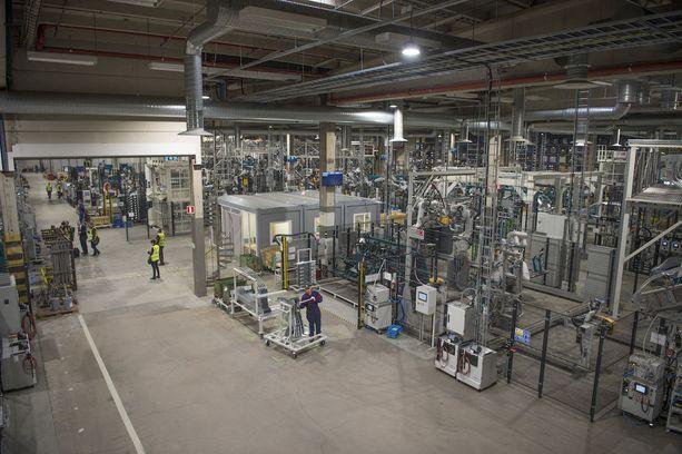Kaiken kaikkiaan Valmet Automotiven tuotannossa on 600 robottia.