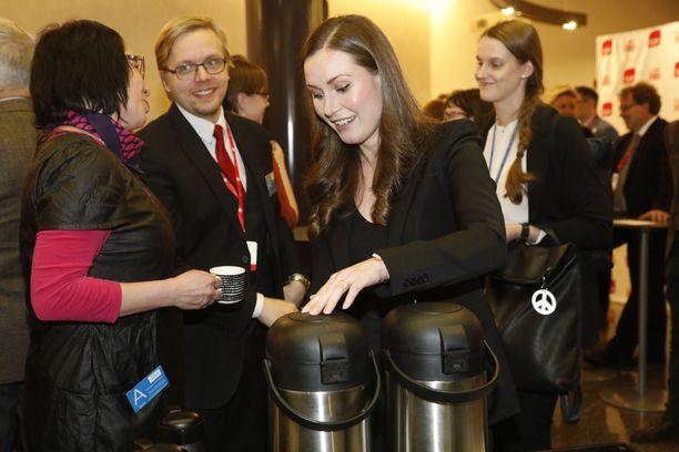 Tässä kahvia ottavasta Sanna Marinista on tulossa Suomen seuraava pääministeri.