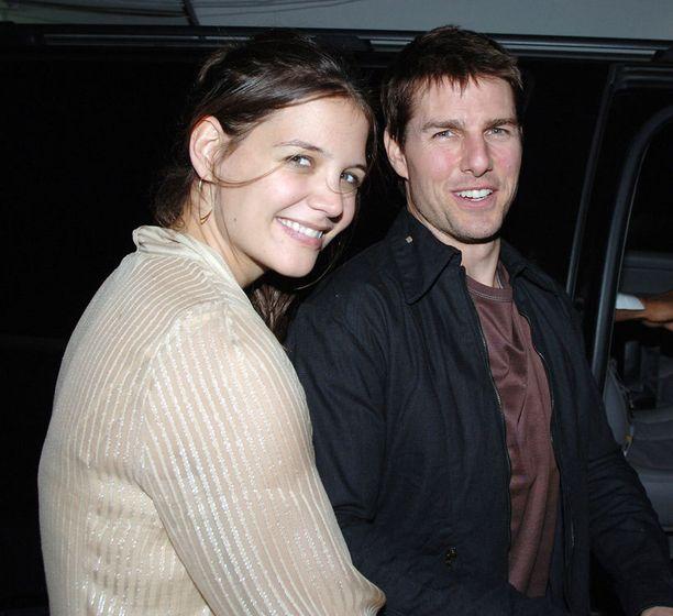 Skientologian on vihjailtu olevan yksi syy Katie Holmesin ja Tom Cruisen avioeroon.