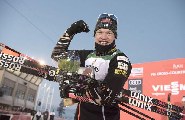 Iivo Niskanen on ainoana suomalaisena pystynyt tällä kaudella voittamaan maailmancupin osakilpailun. Niskanen oli ykkönen Rukalla.