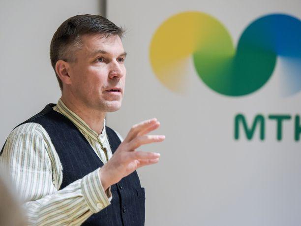 MTK:n puheenjohtaja Juha Marttila nostaa esille ruoantuotannon puolittamisen, jos samalla hinnat tuplaantuisivat.