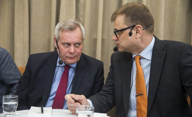 SDP:n puheenjohtaja Antti Rinne painotti A-studiossa, että pääministeri Sipilän hallituksen olisi pitänyt käydä normaalit neuvottelut perussuomalaisten hajoamisen jälkeen.