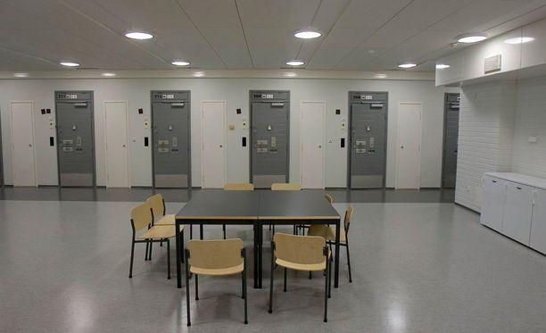 Käräjäoikeus passitti Pasi Walleniuksen suoraan istunnosta Turun vankilaan, josta kuva on.