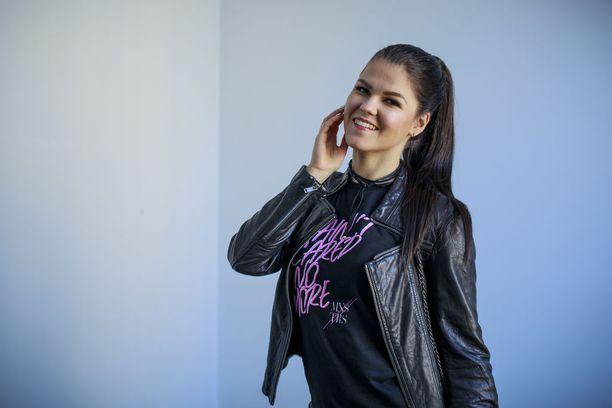 Laulaja Saara Aalto valmistautuu Lissabonissa ensi tiistaina käytävään ensimmäiseen semifinaaliin. Hän edustaa Suomea kappaleella Monsters.