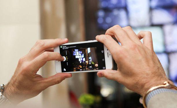 Myyntilistoja Suomessa hallitsevat korealainen Samsung, kiinalainen Huawei ja yhdysvaltalainen Apple.