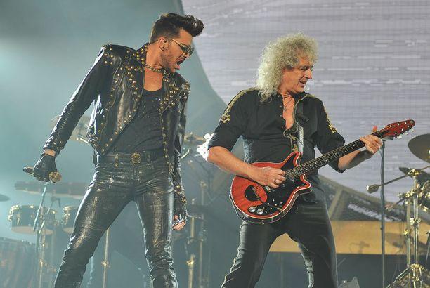 Lambert ja Queen soittavat yhteisellä kiertueella vielä helmikuun ajan.