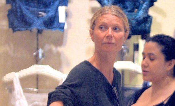 Gwyneth Paltrow oli valinnut rennon tavislookin shoppailureissulle.