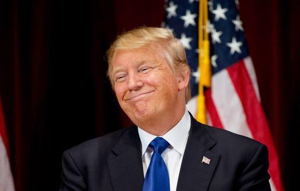 Donald John Trump pyrkii presidentiksi 2016.