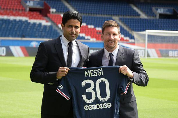 Al-Khelaifi ja Messi osallistuivat lehdistötilaisuuteen.
