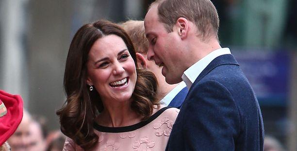 Kuvassa Catherine ja William maanantaina.